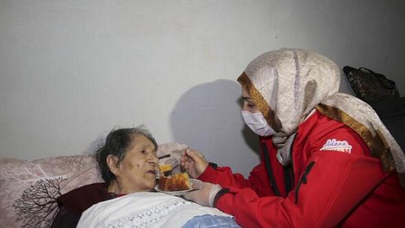 Adana Büyükşehir Belediyesi'nden yaşlılara destek