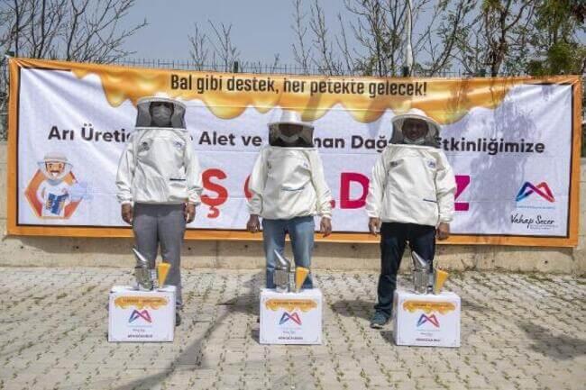 Mersin Büyükşehir'de 708 arı yetiştiricisine 'bal' gibi destek
