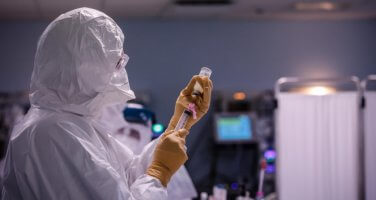 Almanya bir günde aşı rekoru kırdı